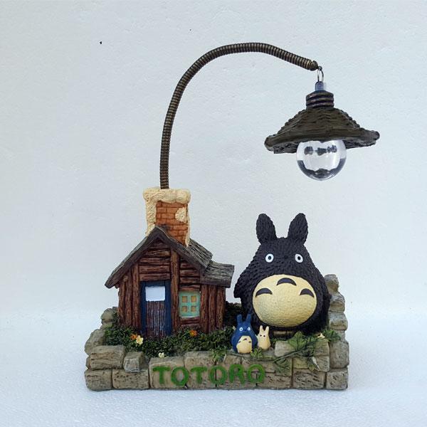 Figura-Totoro-con-luz-Principal